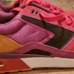 8d176d20b5f Brooks Shoes - Brooks women suede Heritage Fusion EUC